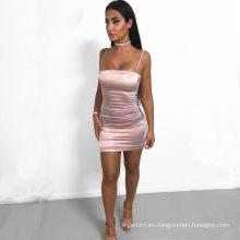Las mujeres atractivas de lujo de la alta calidad visten la ropa acogedora del vestido de Porm