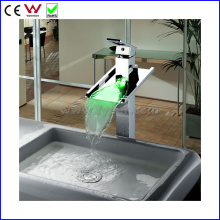 2015 New Waterfall 3 Color LED Vessel Tap Faucet (FD15053HF)