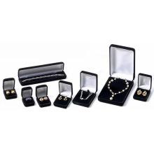 Черные коробки ювелирных изделий с бархатом и напечатанный Логос