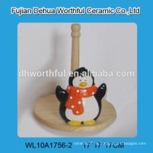 Encantador pingüino en forma de titular de tejido de cerámica para la venta al por mayor