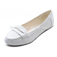 Белый цвет хорошего качества бездельников современных женщин квартир обуви обуви офиса леди обуви