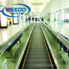 Trottoir en mouvement du centre commercial Deeoo