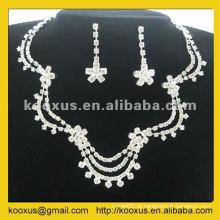 Conjunto de jóias no design mais recente