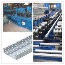 Petit pain de chemin de câbles d'approvisionnement d'usine directement formant la machine