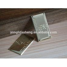 China acessórios de vestuário feitos à medida ouro gravado metal etiqueta logotipo