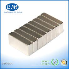 Imanes permanentes muy fuertes de NdFeB para el ahorrador magnético del combustible
