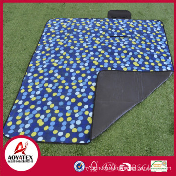 travel blanket suitable size picnic blanket,waterproof fleece picnic blanket with shoulder strap