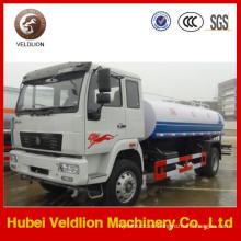 Camión cisterna HOWO 4X2 15 toneladas