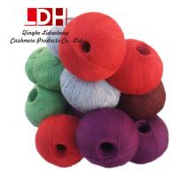 Fil de cachemire de soie peignée naturelle molle Fil de tricot de fibre de crochet de fil épais de fibre pour le fil de tricotage