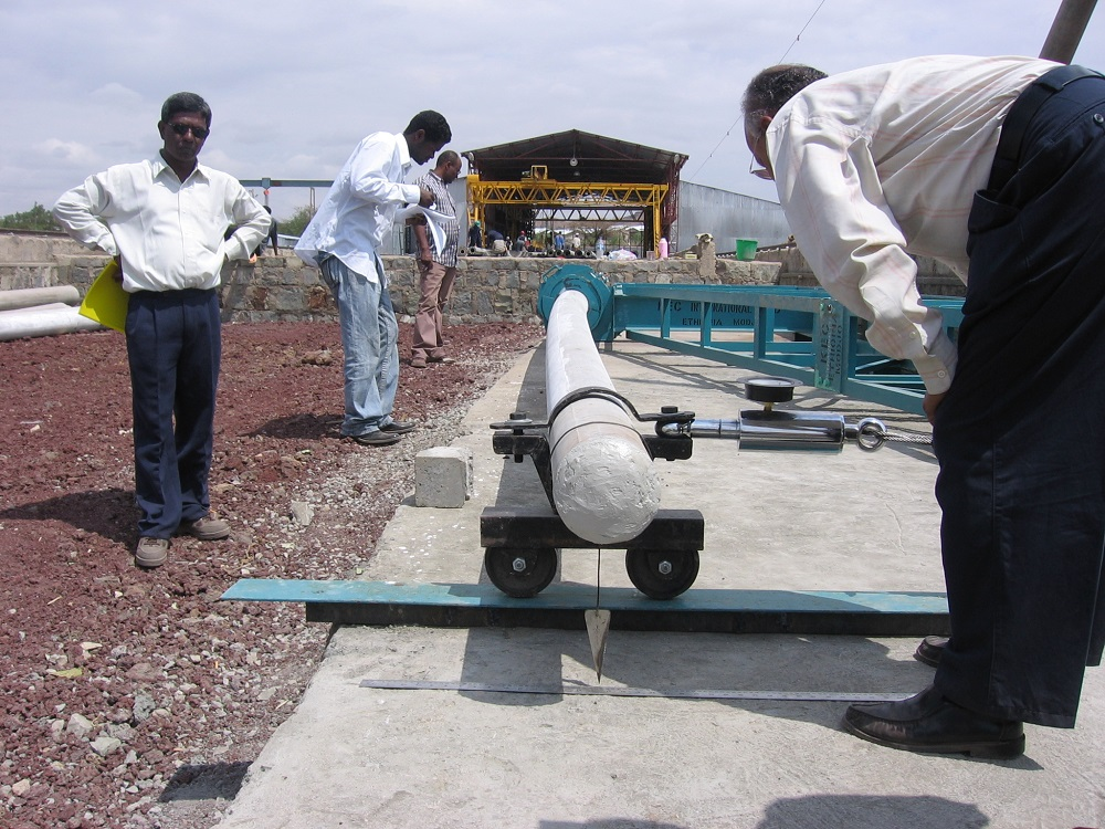 SPC concrete pole bending test