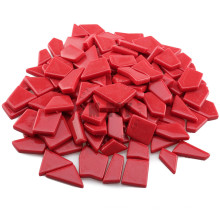 Rotes unregelmäßig geformtes Sinterglas