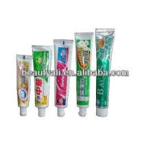 Tubos de plástico para los dientes