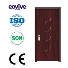 Dormitorio de madera baño PVC empotrado puertas abatibles