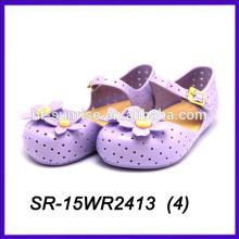 La jalea plástica del pétalo púrpura del verano calza los zapatos de la jalea de los niños de la jalea del pvc