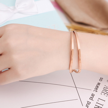 Stainless Steel Fashion Ladies Cuff Bracelet Kosong