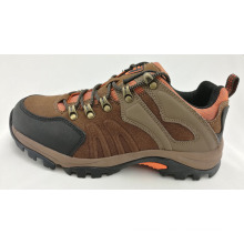 Outdoor Footwear Climbing Shoes for Men with MD Sole, Suede Leather