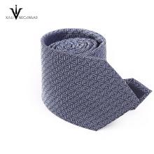 Cravate faite sur commande de cravate coupée d'équipage de couleur unie de polyester en Chine