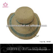 Gros chapeaux en paille en papier planche pour l'été