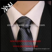 Corbatas de seda de los hombres al por mayor 100% hechas a mano al por mayor del nudo