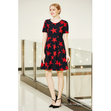 Kurzarm-hohe Taille Winter Swing Kleid in Star Printing Fabric