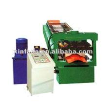 Máquina formadora de chapa de aço