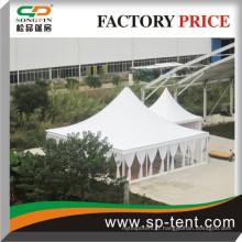 Outdoor high peak pavillon wedding pagoda tente tente de tente 10x10m décorée avec rideaux et revêtements et sol