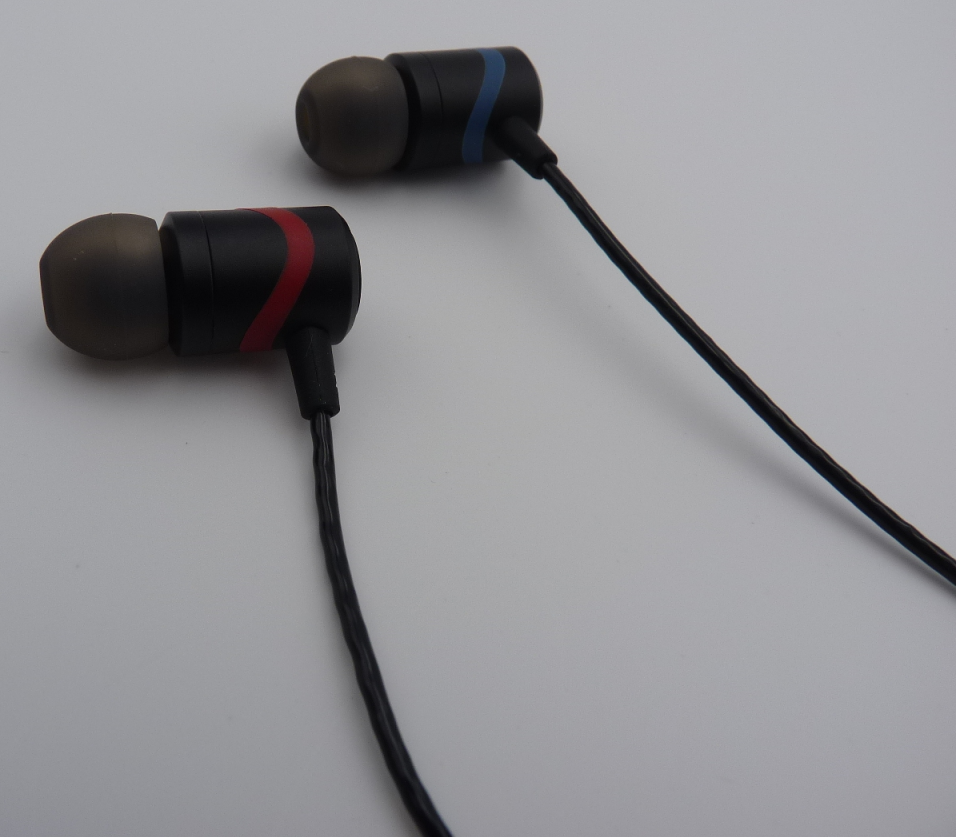 Noise Isolating Wired Earbud