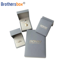 Customized paper Material packaging jewelry boxes engagement ring box
