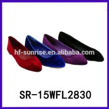 El verano atractivo de las señoras de los zapatos del verano 2015 calza el verano de las mujeres de los zapatos