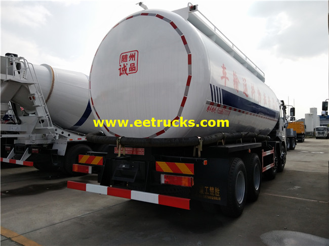 Dry Powder Transport Truck
