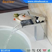 Robinet d'évier de bassin économiseur d'eau à levier simple Beelee