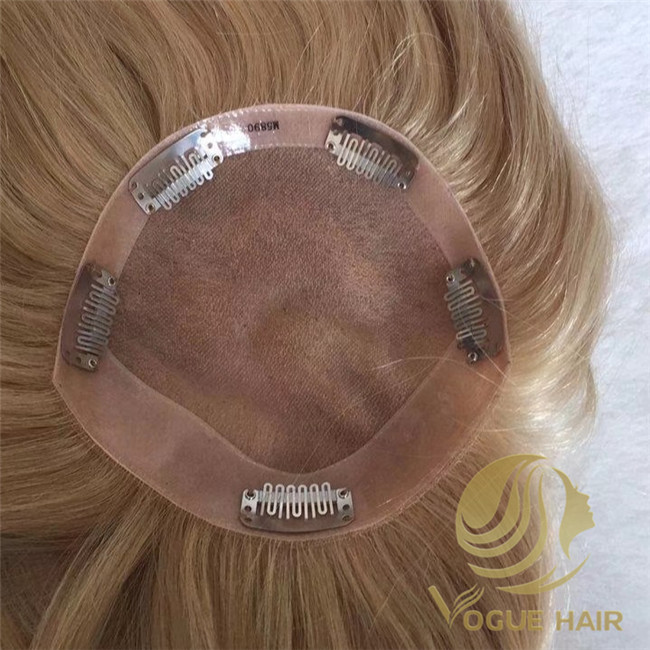 hair topper with clips