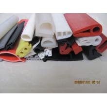 Produzir várias tiras de vedação de silicone expulso