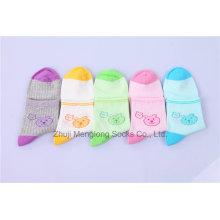 Calcetines de dibujos animados encantadora oso patrón calcetines de algodón chica