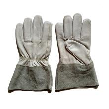 Пайка козьей шкуры и сварочные перчатки TIG