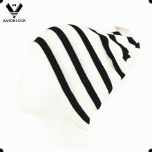 Men′s Winter Fashion Black White Stripe Knitted Sports Hat
