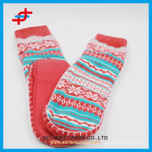 2015 Jacquard Long Acrylic Rubber Sole Room Socks For Adults
