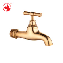 Tipos de torneira de água ao ar livre polido ouro