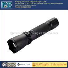 Kundenspezifische hochpräzise Top-Grade-CNC-Bearbeitung Taschenlampe Gehäuse