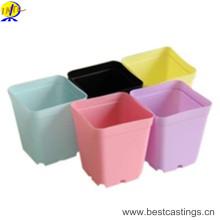 Pot de fleurs en plastique à chaud avec une taille vairale