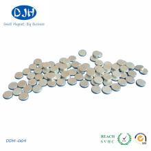 Imán de NdFeB rectángulo permanente de tierra rara con recubrimiento de níquel