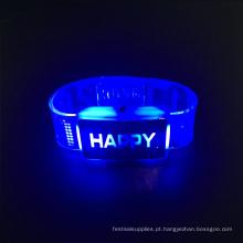 2017 centros de mesa de casamento levou pulseira com letras felizes