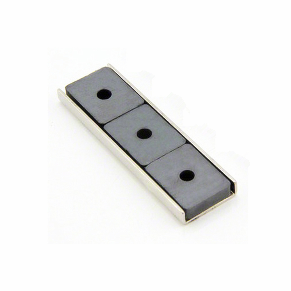 Ferrite channel magnet