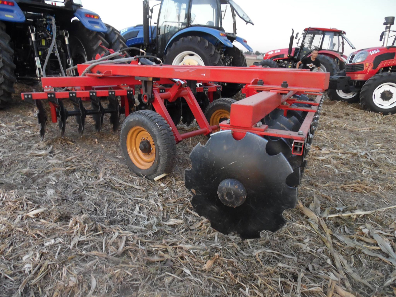 Soil tillage whole mechanical disc harrow