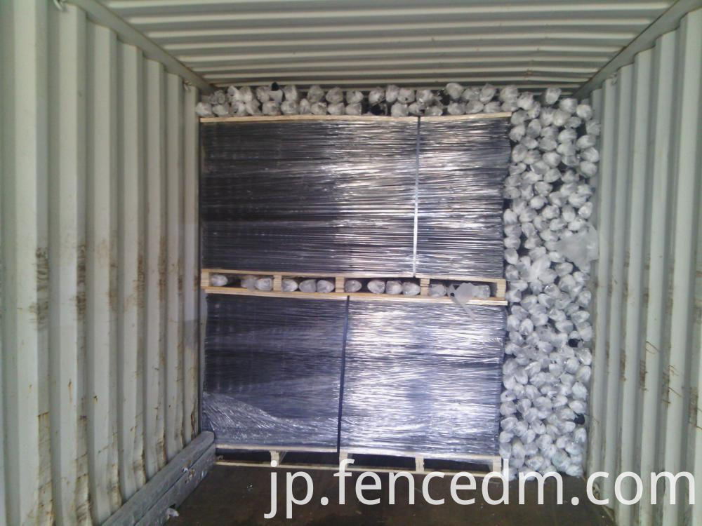 welded wire mesh fence loading