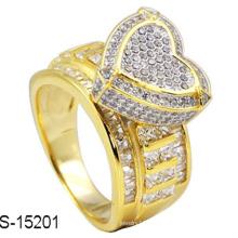 Bague en argent plaqué or 18 carats avec diamant