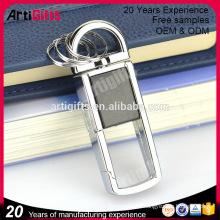 Porte-clés design en cuir luxe avec crochet en laiton