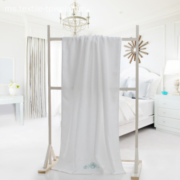 White Hotel Bath Tuala dengan Embroidery Starfish