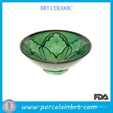 Керамический салатник с красивым дизайном