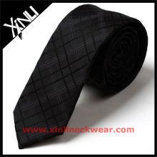 Dünne Krawatte der populären Männer
